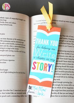 Free Printable Teacher Appreciation Bookmark by @Amy Bell {Positively Splendid} Give one to your teacher along with their favorite book!
