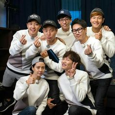 Last photo(?) of Running Man with 7 members. Starting ep Running Man would continue with 6 members and Kang Gary would focus on his music career! Gary Running Man, Running Man Funny, Running Man Cast, Running Man Korean, Ji Hyo Running Man, Running For Beginners, How To Start Running, Running Man Members, Monday Couple