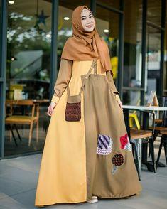 Abaya Fashion, All Fashion, Fashion Dresses, Womens Fashion, Muslim Gown, Kebaya Muslim, Casual Hijab Outfit, Hijab Dress, Hijab Jeans