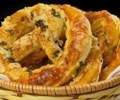 Legume gratinate - O reteta de vara, rapid de facut la cuptor Onion Rings, Mozzarella, Pie, Meat, Ethnic Recipes, Desserts, Food, Torte, Tailgate Desserts