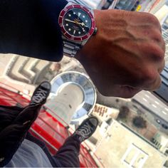 Use Hashtag #RolexWrist sur Instagram: @mistertudor at Calgary Tower  with his Tudor . Use hashtag #RolexWrist ------------------------------------------- #omega #hublot #rolex #rolexgmt #seadweller #skydweller #yachtmaster #datejust #airking #mondani #watchnerd #watchporn #wrongwrist #tudor #audemarspiguet #mbandf #urwerk #tagheuer #devontread #ulyssenardin #batman #daytona #explorer2 #submariner #rolexsubmariner #richardmille #patekphilippe #daydate #milgauss