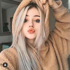 Fashion new Ombre Wigs black light gray ombre Synthetic lace front Wigs natural straight Natural Lace Front Wigs Cute Tumblr Pictures, Photos Tumblr, Girl Pictures, Girl Photos, Girl Photo Poses, Girl Photography Poses, Baby Face Drawing, Drawing Hair, Cute Girls
