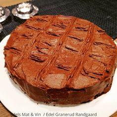 Edels Mat & Vin: Lavkarbo sjokoladekake ! Apple Pie, Food And Drink, Desserts, Pineapple, Caramel, Tailgate Desserts, Deserts, Dessert, Apple Pie Cake