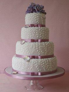 Beautiful wisteria cake from Maki Searle