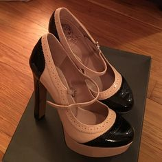 Vince Camuto pink/black leather patent heels s: 6 Brand New in box. Vince Camuto Pink Champaigne/Black smooth patent heels. Size 6 Vince Camuto Shoes Heels
