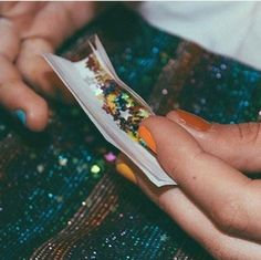 """Sonic, that's glitter."" ""Leave me alone, mom let me have some fun."" I watch her roll her blunt filled with weed but mostly glitter. Photo Swag, Image Swag, The Wicked The Divine, Soft Grunge, Grunge Style, Looks Cool, Mode Inspiration, At Least, Images"