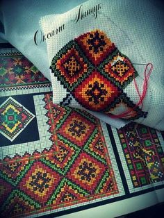 Cross stitching , Etamin and crafts: Traditional cross stitch Pattern Cross Stitch Charts, Cross Stitch Designs, Cross Stitch Patterns, Embroidery Art, Cross Stitch Embroidery, Embroidery Patterns, Russian Cross Stitch, Cross Stitch Geometric, Palestinian Embroidery