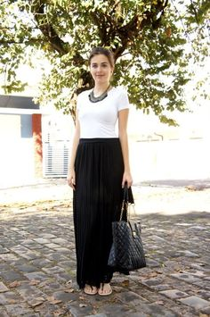Look casual Black Maxi Skirt Outfit, Maxi Skirt Outfits, Dress Skirt, Holiday Outfits, Spring Outfits, Girly Outfits, Casual Outfits, Conservative Fashion, Outfit Sets