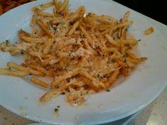Red Robin Restaurant Copycat Recipes: Garlic Parmesan Fries (maybe mozerella cheese instead)