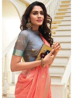 Top Latest and Trendy Blouse Designs For Saree - Tikli Want to get that stylish look in Saree. Take a look at these stunning and trending blouse designs photos for ultimate style. Silk Saree Blouse Designs, Fancy Blouse Designs, Saree Blouse Patterns, Blouse Neck Designs, Lehenga Designs, Sarees For Girls, Sari Bluse, Stylish Sarees, Trendy Sarees