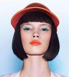 Green Eyeliner & precision bob