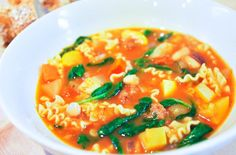 Easy minestrone soup recipe with with sausage, fennel, white beans and pasta. Fennel Recipes, Tomato Soup Recipes, Easy Soup Recipes, Pasta Recipes, Spicy Sausage, Sausage Recipes, Minestrone Soup Recipe With Sausage, Sauce Pour Porc, Stuffed Peppers