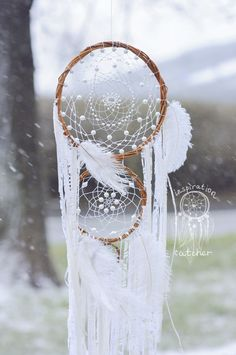 Large Dream Catcher White Lace, Beautiful Wedding Wall Hanging Decor, Bohemian Boho Gypsy Soulful Big Home Talisman Universal Gift cm – bombastic Diy Crochet Wall Hanging, Crochet Wall Hangings, Boho Wall Hanging, Dream Catcher White, Large Dream Catcher, Dream Catchers, Mundo Hippie, Wedding Wall, Wedding White