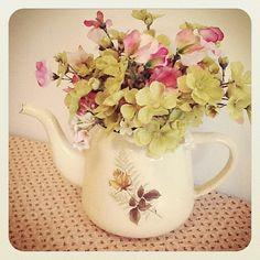 teapot flowers.