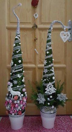 Christmas Arts And Crafts, Christmas Holidays, Christmas Wreaths, Merry Christmas, Christmas Decorations, Xmas, Christmas Ornaments, Holiday Decor, Grinch Trees