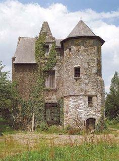 Manoir de La Rivaudière, Chevaigné- Sur la rive ouest du canal d'Ille-et-Rance