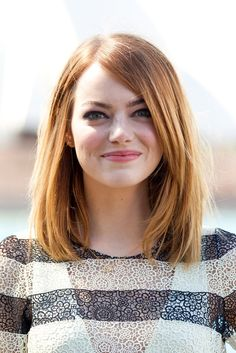 Pin for Later: Emma Stone and More Celebrities Are Loving Their Bobs! Emma Stone Emma's gorgeous red bob is all one length with long layers, making it the ultimate easy, wash-and-go style.