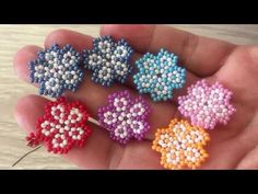 Beaded Flowers Patterns, Beaded Earrings Patterns, Beading Patterns, Bead Earrings, Seed Bead Tutorials, Beading Tutorials, Making Jewelry For Beginners, Seed Bead Flowers, Earring Tutorial