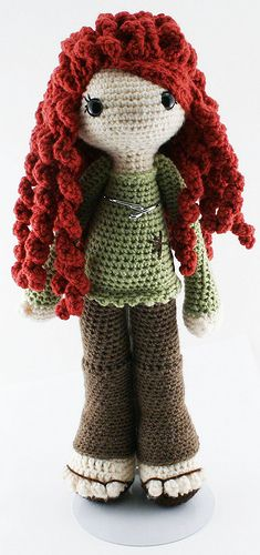 I would love to make an amigurumi like this.These crochet spirals make great hair too - hadn't thought of them, will have a bit of an experiment. Crochet Amigurumi, Knit Or Crochet, Crochet For Kids, Amigurumi Doll, Amigurumi Patterns, Crochet Crafts, Yarn Crafts, Doll Patterns, Crochet Baby