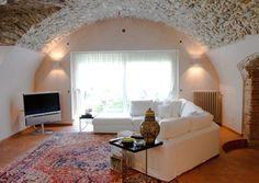 Un salotto luminoso e particolare. #brescia #dreamhome