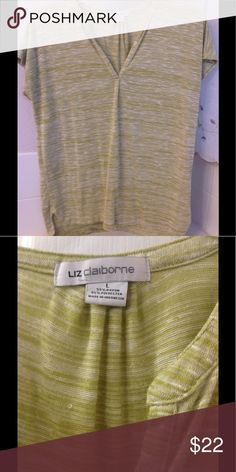Liz Claiborne Green Heathered Tunic Beautiful and in great condition. Liz Claiborne Tops Tunics