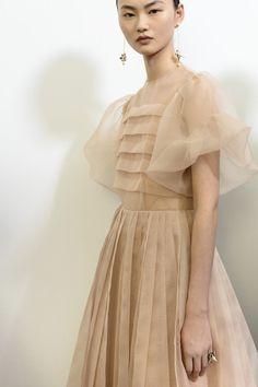 Christian Dior at Couture Fall 2018 - Christian Dior at Couture Fall 2018 – Backstage Runway Photos - Elegant Dresses, Pretty Dresses, Beautiful Dresses, Lace Dresses, High Fashion, Fashion Show, Womens Fashion, Club Fashion, 1950s Fashion