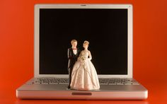 The Mashable/Knot.com wedding suuvey reveals the digital and social habits of new brides.