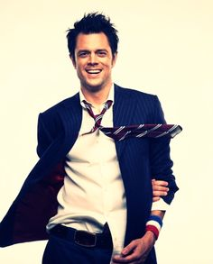 Johnny Knoxville. more amazing hair http://livelovewear.com/mensfashion