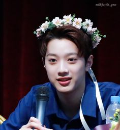 Bias|| WANNA ONE || Gah I love him ❤️❤️❤️❤️❤️❤️❤️That flower crown tho I Love Him, My Love, Let's Stay Together, Guan Lin, Lai Guanlin, Jungkook Cute, Flower Boys, 3 In One, Flower Crown
