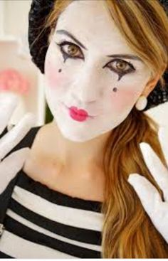 Thinking of being a mime for Halloween? Here is a cute idea for your makeup!