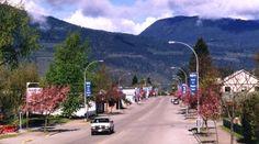 The main street of Nakusp