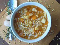 Zuppa di zucca, verza e grano