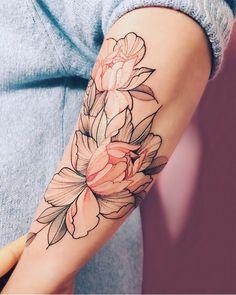 "11.1k Likes, 39 Comments - Tattoo family (@sashatattooingstudios) on Instagram: ""Тату от мастера @nora_ink  Закажи свой индивидуальный эскиз и приходи на сеанс в Москве до…"""