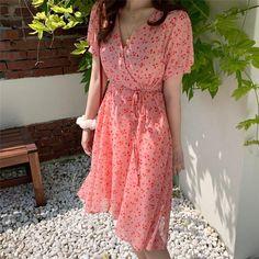 Material: Chiffon Sleeve length (cm): short Dress length: knee length Sleeve style: regular Waist: Empire Neckline: V-neck Cm Bust Shoulder Length S 92 36 87 M 96 37 88 L 100 38 89 XL 104 39 90 inch Bust Shoulder Length S M L 15 XL 41 Midi Dress Outfit, Boho Midi Dress, Chiffon Dress, Dress Outfits, Bohemian Dresses Short, Short Sleeve Dresses, Casual Summer Dresses, Summer Dresses For Women, Women's Summer Fashion