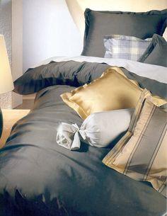 silk-bedding-cellini-design-seidenbettwaesche-004 #Silk bedsheet and duvet cover made in Germany by #Cellini Design. #Seidenbettwäsche aus reiner #Seide von #Spinnhütte Cellini Design aus Deutschland.