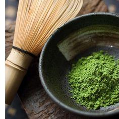 le matcha est une poudre trs fine de th vert frais utilisable en boisson chaude - Cupcake Colorant Alimentaire