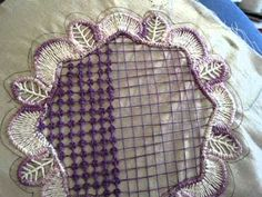 center filling stitch for big areas in your Romanian Point Lace work. Crochet Doily Patterns, Crochet Motif, Crochet Doilies, Crochet Lace, Russian Crochet, Irish Crochet, Bruges Lace, Romanian Lace, Bobbin Lace