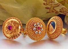 P N Gadgil and Sons have designed and sponsored exclusive jewellery for the movie Bajirao Mastani Gold Ring Designs, Gold Bangles Design, Gold Earrings Designs, Gold Jewellery Design, Necklace Designs, Indian Jewelry Earrings, Gold Rings Jewelry, India Jewelry, Temple Jewellery
