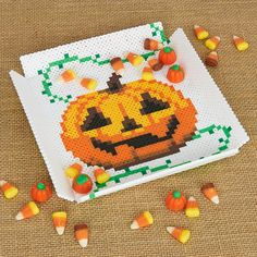 Here is a Halloween candy dish from Kyle McCoy that was inspired by a similar floral design we admired on social media—kudos to that clever Perler artist! Halloween Beads, Halloween Favors, Fun Halloween Crafts, Halloween Patterns, Halloween Candy, Beading For Kids, 3d Perler Bead, Pearler Bead Patterns, Iron Beads