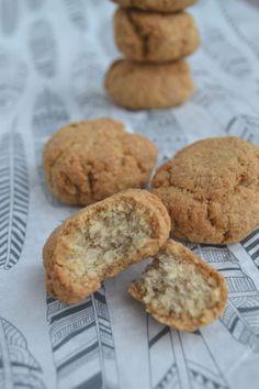 Ook zonder suiker kun je ongelofelijk goede koekjes bakken... En wat dacht je van een koekje wat lijkt op een kokosmakron? Snelle suikervrije kokos koekjes!