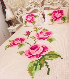 You are in the right place about stricken rock Here we offer you the most beautiful pictures about t Crochet Pixel, Crochet Motifs, Afghan Crochet Patterns, Crochet Squares, Baby Knitting Patterns, Crochet Bedspread, Crochet Quilt, Crochet Pillow, Crochet Granny