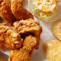 A+Southern+classic,+this+recipe+is+one+of+our+favorites.++Eaten+hot+or+cold,+Honey+Fried+Chicken+has+a+delightful+sweetness+that+compliments+its+crunchy+coating+perfectly.