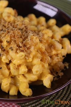 Calling all Mac and Cheese lovers! Here's a tasty twist that makes your favorite dish more calorie friendly! Why not try Clinton Kelly's Lightened Up Squash Mac and Cheese for dinner tonight? #TheChew
