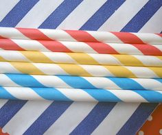 Paper straws!!  I remember them from Mr. Hamburger on Holland Ave in Galena Park.