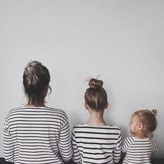 Three girls, three matching funs. Such a fun shot! // Family Photography