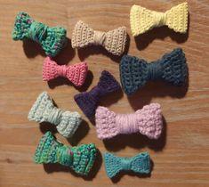 En même temps que la mouelle Karine m'a commandé 10 nœuds barrettes comme je lui avais fait pour la remercier en fin de formation. Elle veut gâter les petites filles de sa famille ! Mise à jour du 17 Octobre 2020 Deux petits nouveaux ! Barrettes, Comme, Crochet Necklace, Creations, Jewelry, Toddler Girls, I Want You, Jewlery, Jewerly