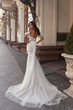 Diamond Bridal Gallery Introduces Romantic and Feminine Wedding Dress Designer Valeri Gross Wedding Dress Prices, Boho Wedding Dress, Mermaid Wedding, Wedding Dresses, Wedding Lace, Lace Dresses, Sweetheart Wedding Dress, Lace Weddings, Mermaid Dresses