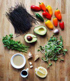 Black Bean Spaghetti Bowl / Tahini Dressing {Vegan} Black Bean Pasta, Black Bean Spaghetti, Black Bean Noodles, Spaghetti Recipes, Pasta Recipes, Cooking Recipes, Bean Recipes, Vegetarian Recipes, Healthy Recipes