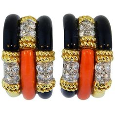 Pre-owned 1970s Kutchinsky London Onyx Coral Diamond Gold Earclips ($12,500) ❤ liked on Polyvore featuring jewelry, earrings, more earrings, diamond jewelry, gold earrings, diamond earrings, yellow gold earrings and black onyx jewelry
