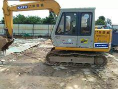 KATO HD250 excavator, 0.3m³ Japan excavator HD250VII, KATO HD250-7  mini digger Small Excavator, Excavator For Sale, Digger, Kato, Tractors, Japan, Japanese